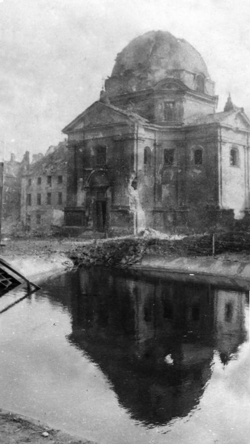 Kościół, sierpień 1944